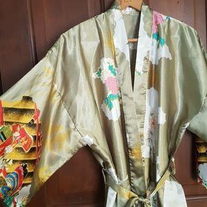 SALE!💥Silky-type Asian Print Robe.